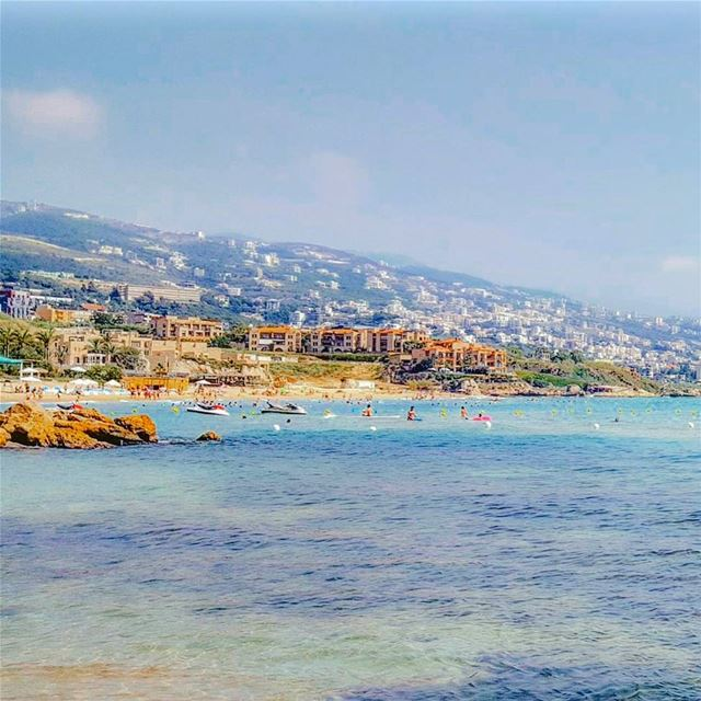 A fresh summer day in Byblos 🏖Have a good sunday everyone 😊...