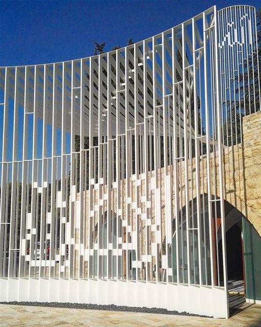 lebanon moukhtara mukhtara mosque modern architecture islam summer... (El Moukhtâra, Mont-Liban, Lebanon)