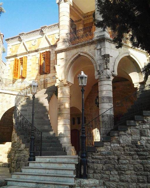 wounderful mukhtara moukhtara palace lebanon lebanese architecture ... (El-Mukhtarah, Mont-Liban, Lebanon)