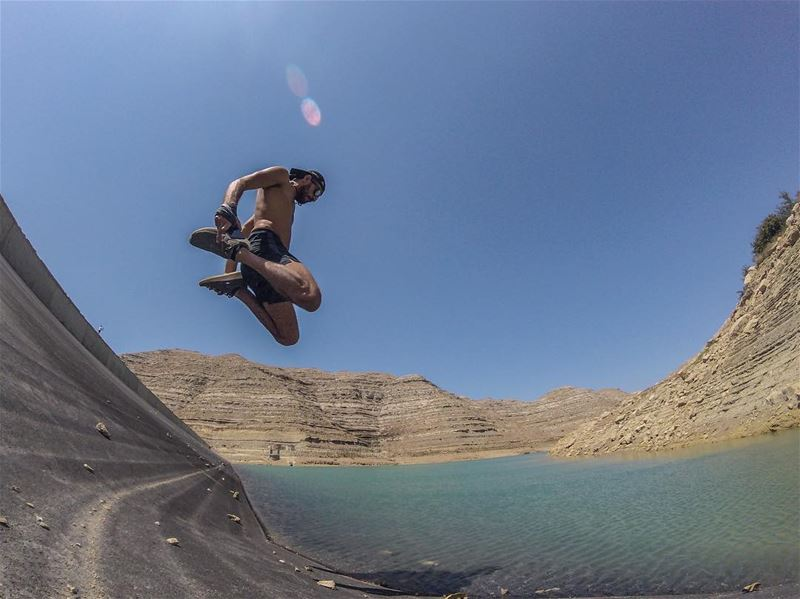 Jumping into the week like 💦... (Chabrouh-Faraya)