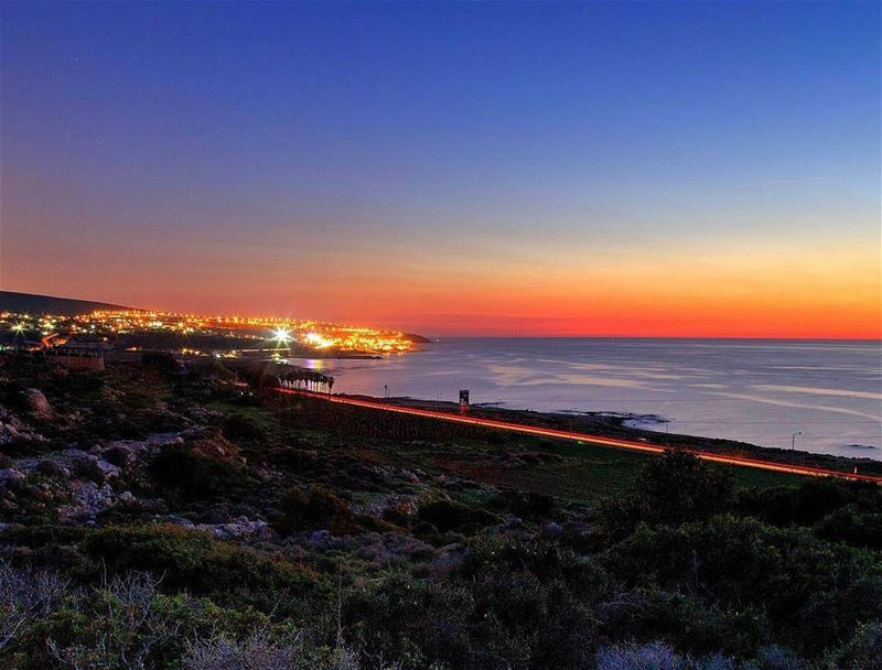 An amazing sunset from Nakoura مغيب الشمس من الناقورة Photo taken by @car (Naqoura)