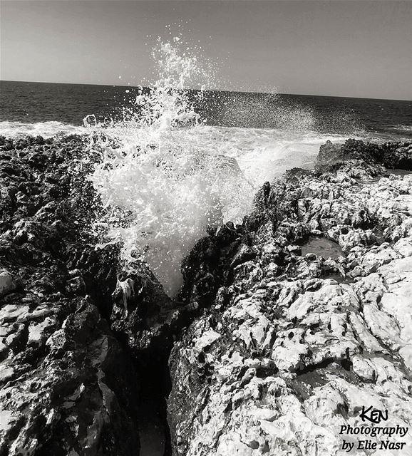 ...مع أن أمواج الألفاظ تغمرنا أبداً فإن عمقنا صامتٌ أبداً جبران_خليل_جب (El Mounsef, Mont-Liban, Lebanon)