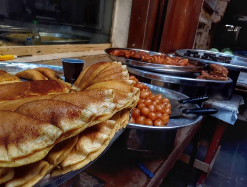 Sweets of the old Saida market lebanon kalawounphoto lebanonfood ... (Saïda, Al Janub, Lebanon)