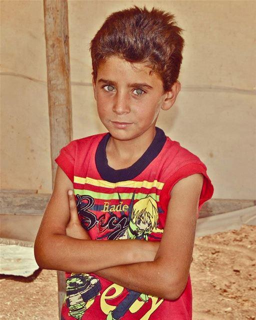 These eyes. lebanon bekaa bekaavalley boy eyes greeneyes littleboy ... (West Bekaa)