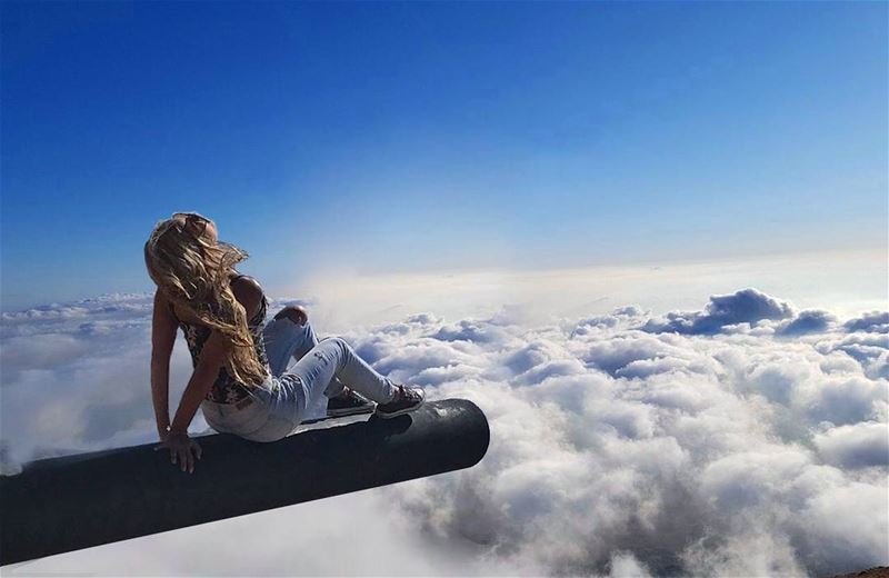The Soul always knows what to do to Heal itself ... The Key is to Silence... (Over The Clouds)