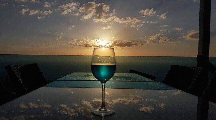 Blue Haze 💙📷@joannarhayem Reflections SapphireSky BeautifulSunsets.... (The Terrace - Restaurant & Bar Lounge)