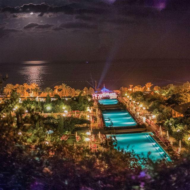 How are you spending the last days of summer? (EDDE Sands - Beach Resort - Jbeil)