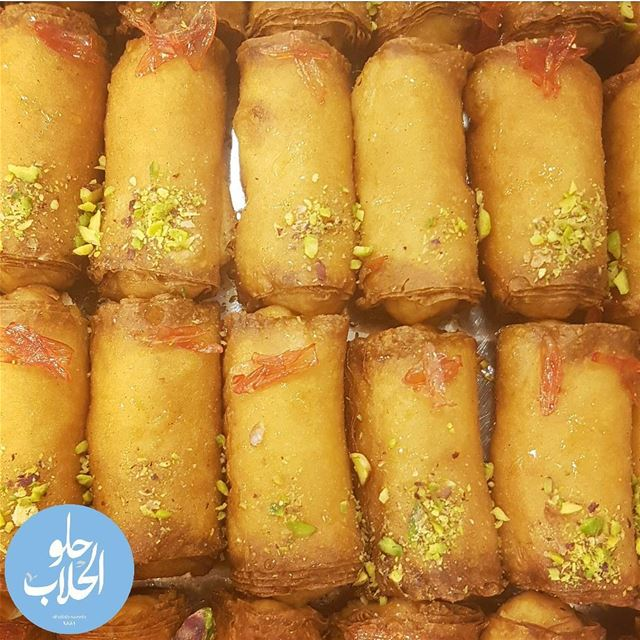 زنود الست 😄 قشطيات مشكل على أنواعها 👌 زنودالست 😍👍 -------------------- (Abed Ghazi Hallab Sweets)