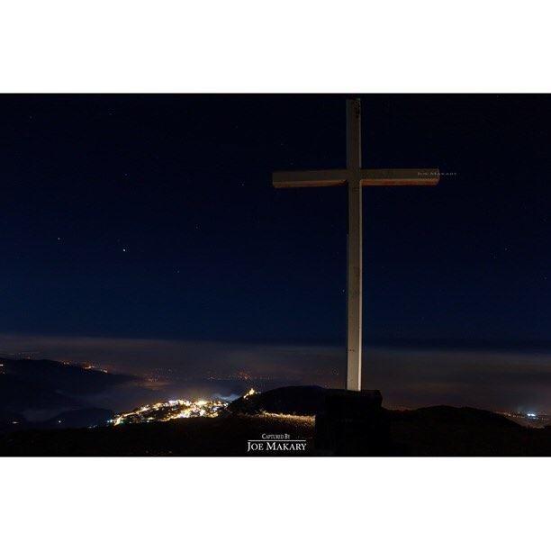 saydetelhosn salibehden ehdencross cross ehden sky stars ...