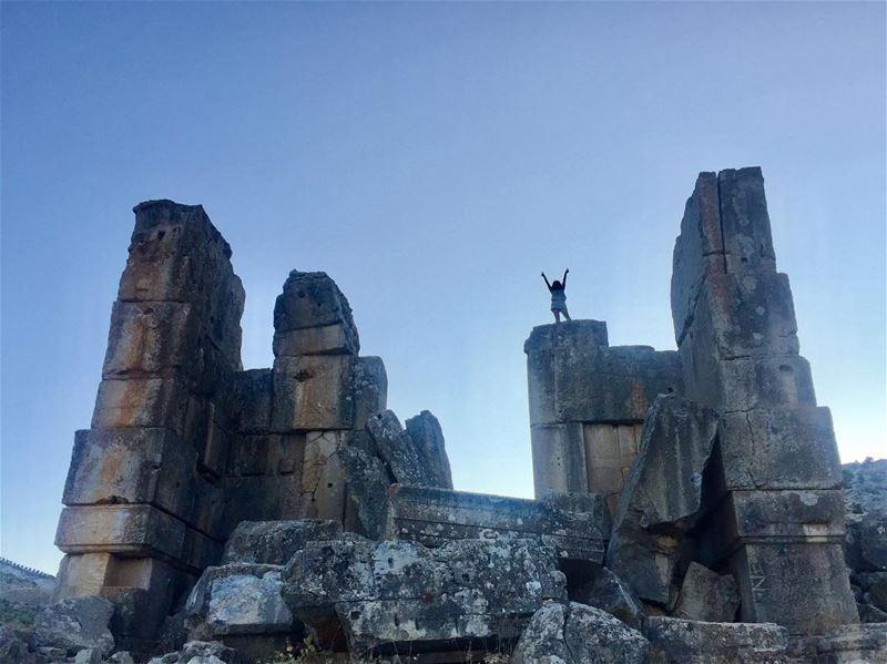 I touched the sky ✌🏽🙄 mylebanon niha bekaa livelovezahleh ... (Niha)