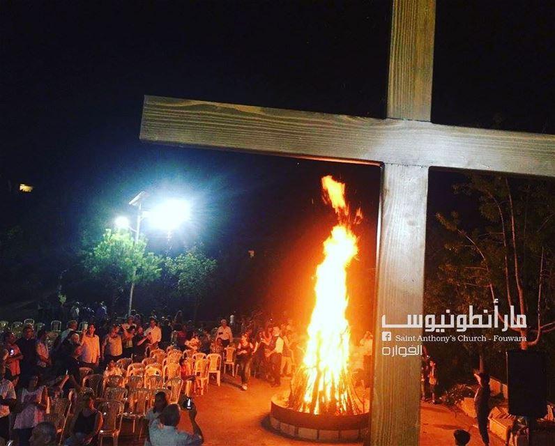 ان كلمة الصليب عند الهالكين حماقة، اما عندنا نحن المخلصين فهي قوة الله ...