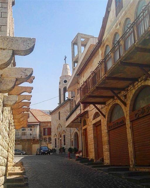 lebanon lebanese house architecture summer summertime vacation ... (Hammana)