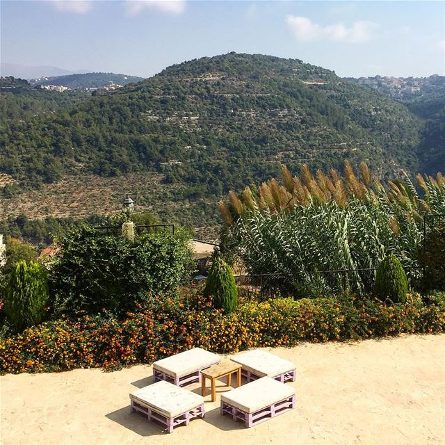 Peace and quiet @deiraloumara escape travel chouf instanature ... (Dayr Al Qamar, Mont-Liban, Lebanon)