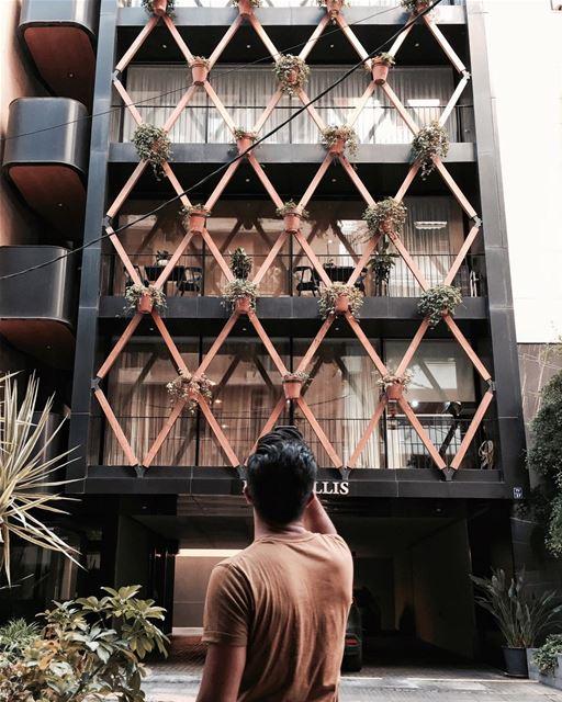 Camouflage ! @elieyobeid X @bernardkhourydw5 Beirut architecture... (Beirut, Lebanon)