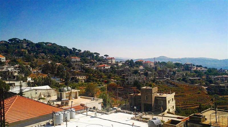 lebanon lebanese summer summertime love mountlebanon sunnyday ... (Qarnayel)