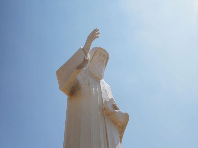 شربل قدّيس من عنّا 🙏🏻🌹.... vsco vscocam instalebanon... (St Charbel Faraya)