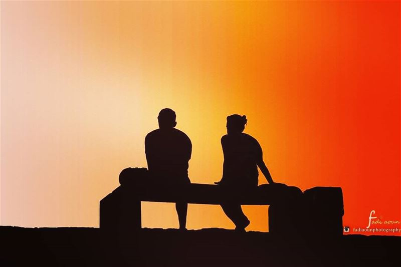 photo fadiaounphotography Sunset silhouettes couplegoals lovers ...