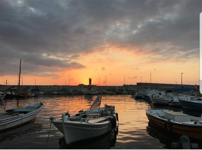 batroun marina mina port sunset boat sailingboat fishermen ... (Mina-batroun)