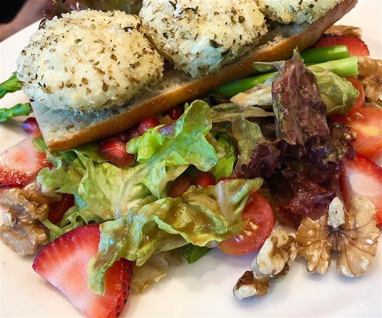 goatcheese Salad lebanon Beirut ❤🇱🇧 (Downtown Beirut)