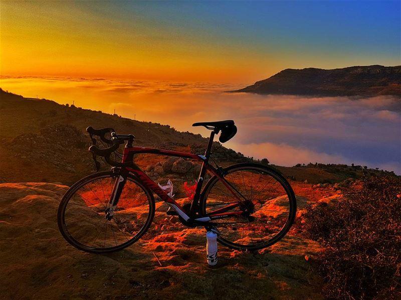 cyclinglife cycling cyclingday cycling cyclingphotos cyclingshots ... (Sannin, Mont-Liban, Lebanon)