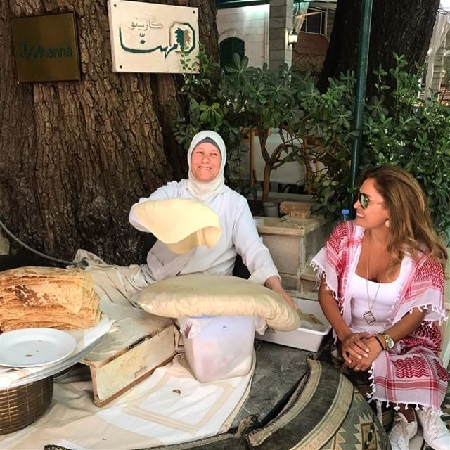 قدّ ما خوّفتونا رح نضلّ مبسوطين ورح يضلّ بلدنا أحلى بلد 🔆 lebanesebread ... (Mhana Wadi Zahle)
