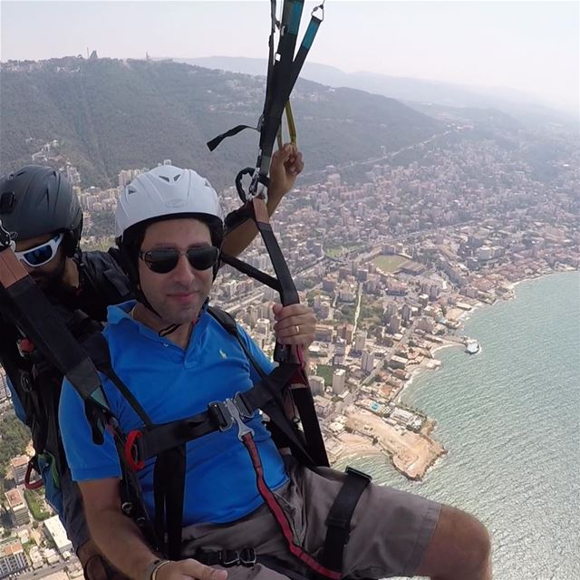 selfie paragliding flyhigh jounieh mountains adventure photography ... (Joünié)