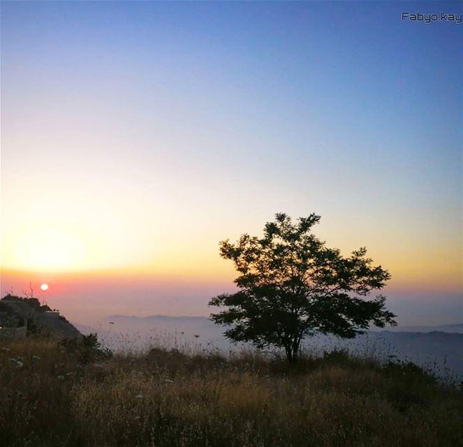 sunset sunsetlovers lebanon ig_lebanon insta_lebanon instagood igdaily... (Sawfar, Mont-Liban, Lebanon)