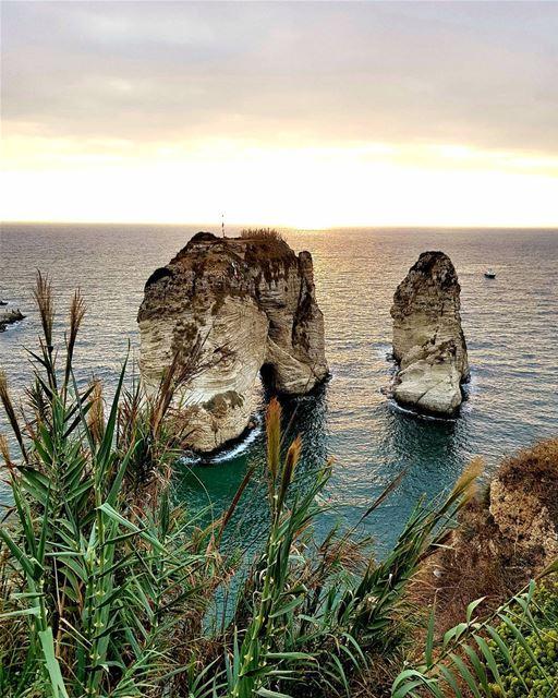 The colours of sunset 🌅Сегодня меня 3 раза остановила армия.⠀Мы снимали (Pigeon Rock Beirut.)