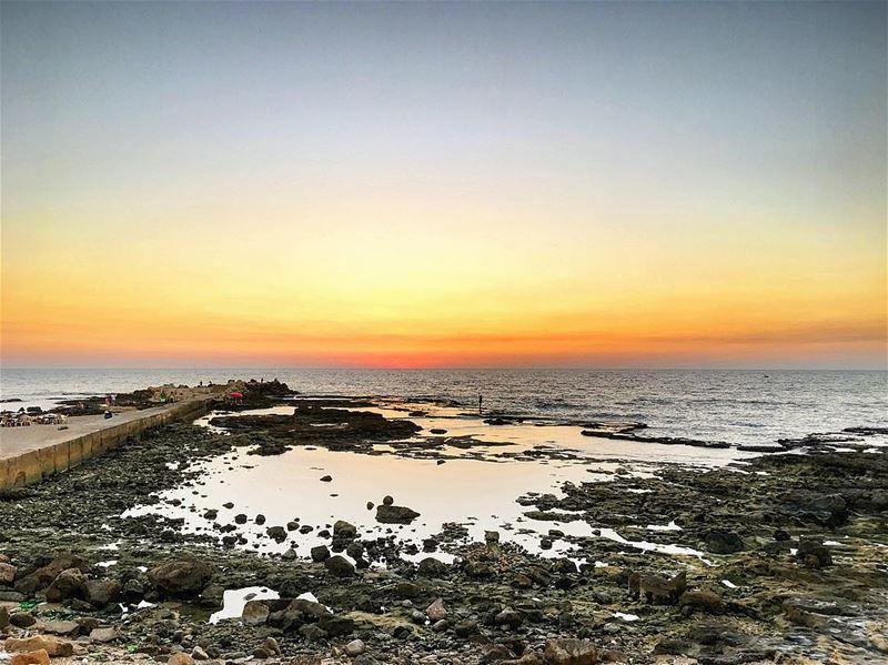 lebanon tyre sunset instagood wanderlust travelgram welltraveled ... (صور - مدينة الأبجدية)