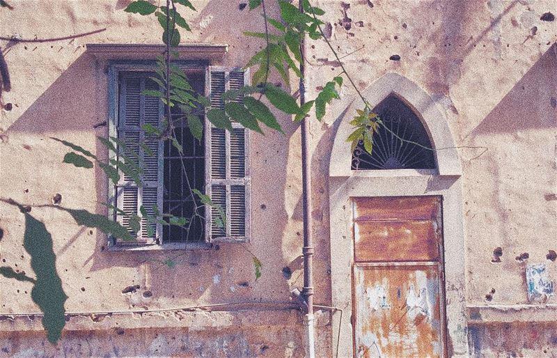 Like old times...... livelovebeirut proudlylebanese beautifullebanon... (Hamra, Beyrouth, Lebanon)