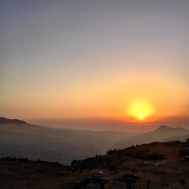 Sunsets are my favorite 🇱🇧. Lebanon a trip to remember. ... (Bcharreh, Liban-Nord, Lebanon)