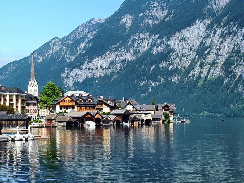 Paradise 🏞☄ hallstatt lake perfect town austria liveloveaustria ... (Hallstatt, Austria)
