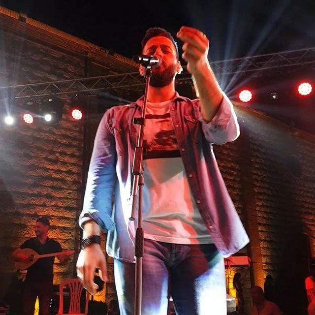 T'es Ie meilleur !! 👏@georgenehmeofficial thebestsinger concert ... (Beit Meri, Mont-Liban, Lebanon)