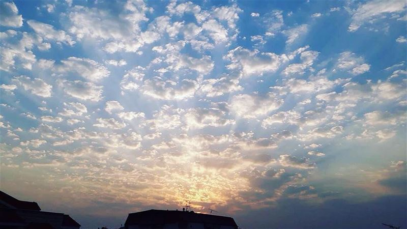 Fascinating blue 💙 beautiful clouds diamonds blue sunset nabatieh ... (Nabatîyé)