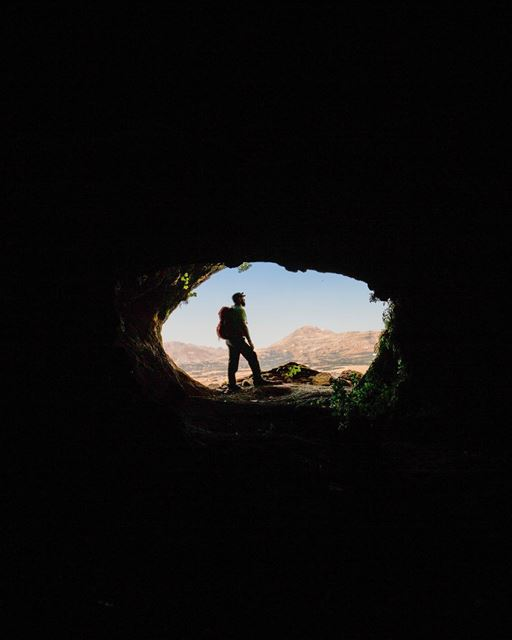 Exploring the upper chambers of the Rweiss cave and cooling down after a... (Akoura, Mont-Liban, Lebanon)