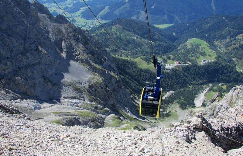 cablecar 🚠 💙 alpes dachstein from above perfect mountains austria ... (Dachstein Mountains)