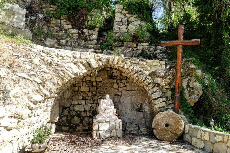 🍃🌷 Mother of Sorrows; in latin  MaterDolorosa; Our Lady of Sorrows, Our... (Mayfuq, Mont-Liban, Lebanon)