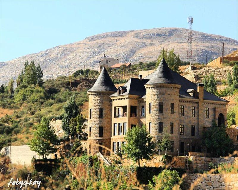 lebanonhouses archilovers naturelovers insta_lebanon igersbeirut... (Faraya, Mont-Liban, Lebanon)