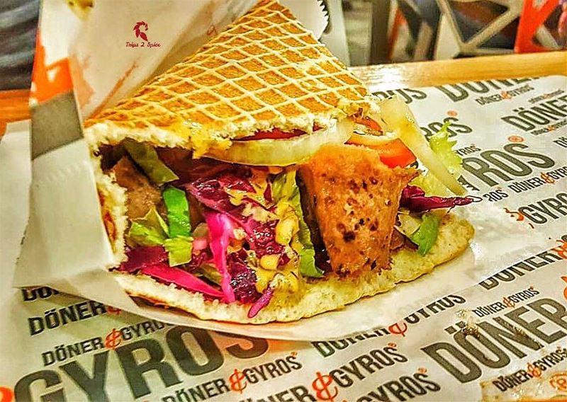 What a joyful sandwich!! 😄-----------------------------------📍 @doneran (Doner & Gyros Lebanon)