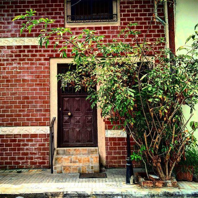 🏠 hello lebanon streets_of_lebanon lebanese streets lebanon_houses... (Gemmayze Gem)