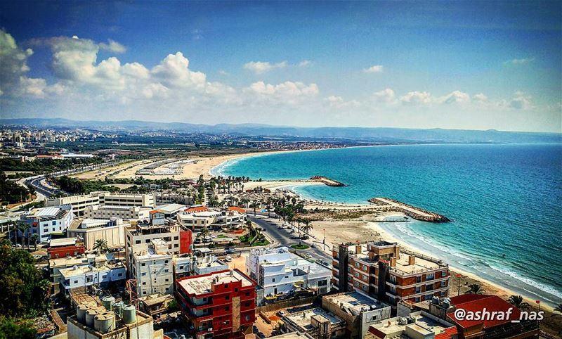 هل جنة الله إلا حيثما هنئت عيناككل إتساع بعد بهتان...هنا على شاطئ أو فوق... (Tyre, Lebanon)