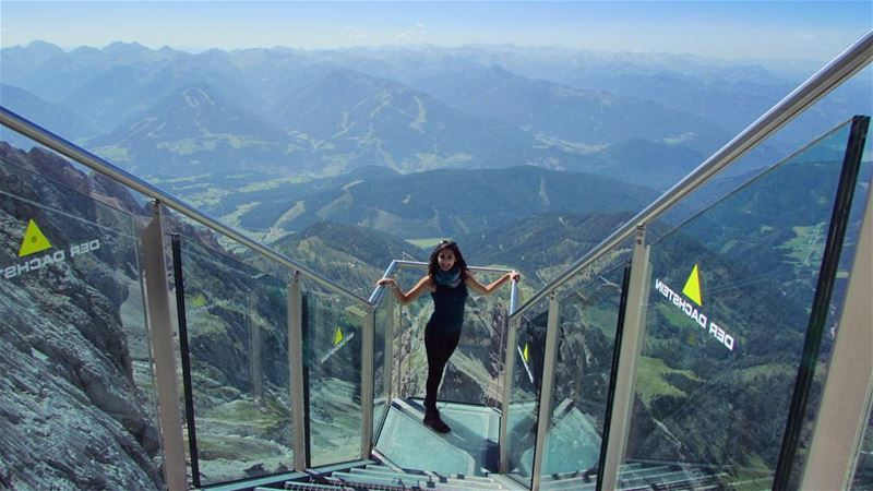 girl at the alpes dachstein 💚⛰ from above perfect mountains austria... (Dachstein Mountains)