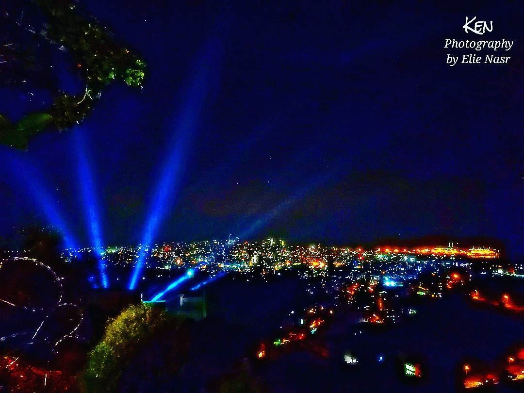 ...ضوّى الليل وصار نهاروالعتمة شعلت أنوارلمّا طلّيتِ علينامنك صار الورد (Beirut, Lebanon)