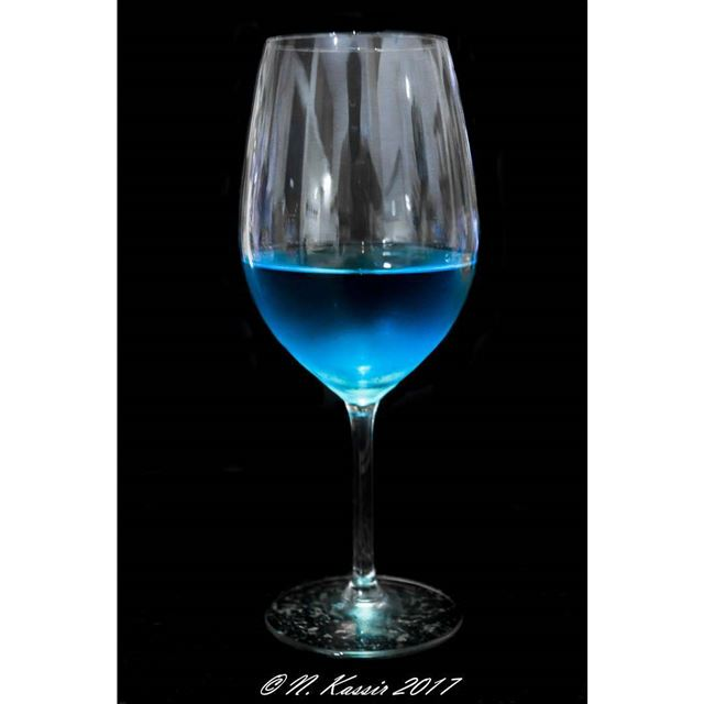 blue wine drink food lebanon foodstyling hautecuisines @hautescuisin