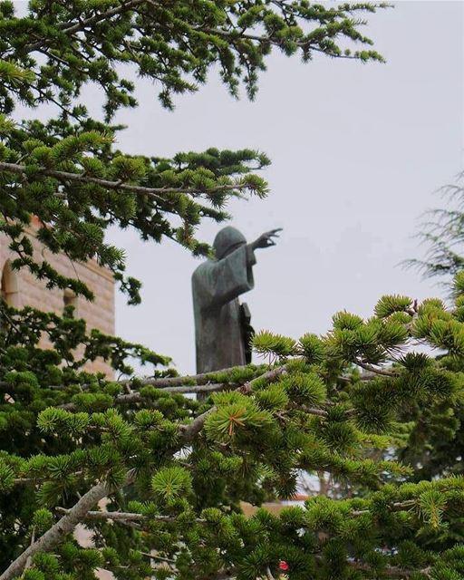 St.Charbel. lebanon pray stcharbel annaya لبنان... (Mazar Saint Charbel-Annaya)