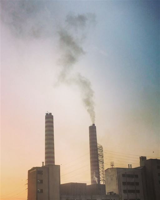 Unfortunately, this is the air we breathe. pollution electricity zouk ... (Zouk Mosbeh)