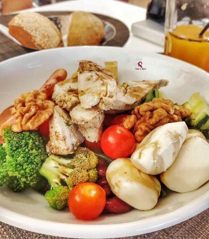 Healthy for a day 😆-------------------------------------📍 @latabledumar (La Table du Marché Marrakech)