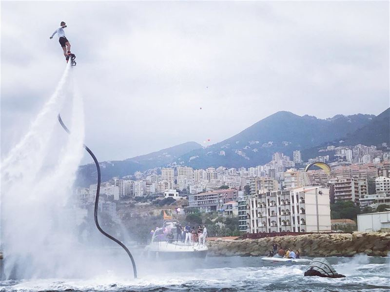 Live a life u are excited about ✌🏻  flyboard  flyboardlebanon ... (Joünié)
