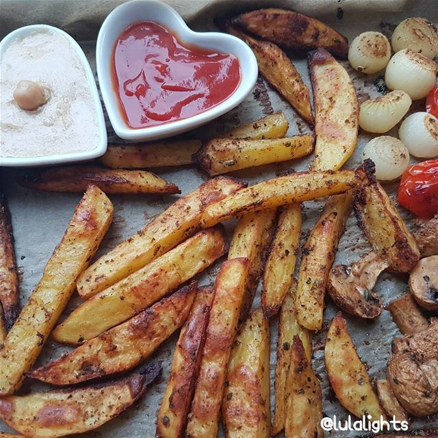 🍟Sometimes it needs to be messy😛🍟...OILFREE Baked potato fries,mushr (Germany)