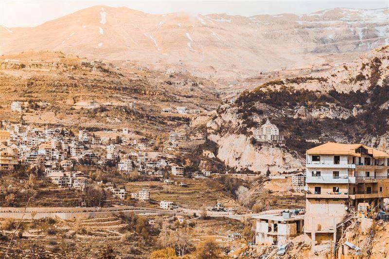 Sunny Bcharre ☀ (Bcharreh, Liban-Nord, Lebanon)